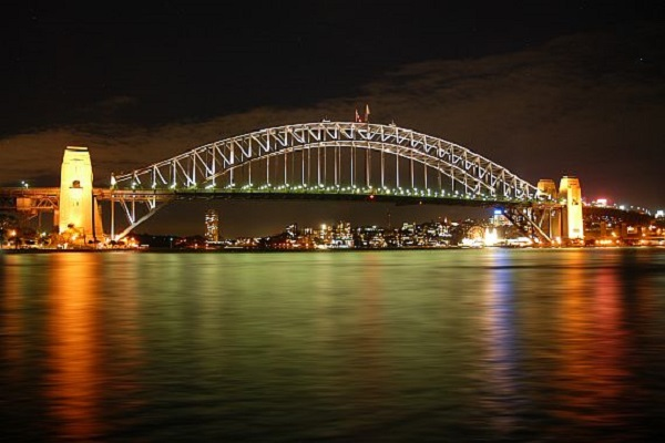 Most Harbor-Bridge v Sidnee